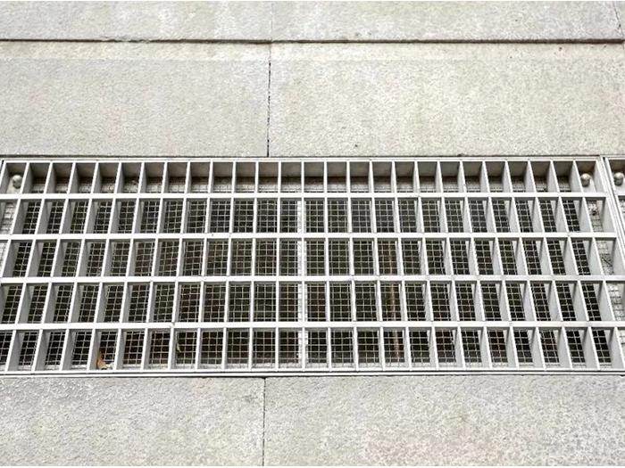 不锈钢沟盖板比铸铁沟盖板有什么优势