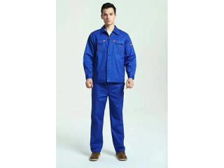 蓝色工作服上身效果