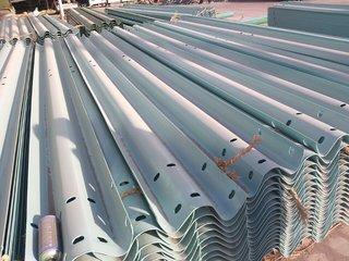 耐用的波形护栏庆阳天锦护栏供应 白银波形护栏价位