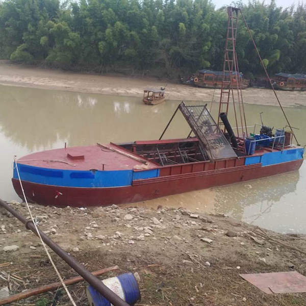湖北抽沙船