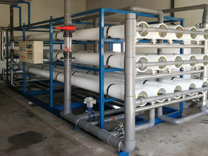 江苏农村纯净水设备生产线:一套合格设备需要具备的条件