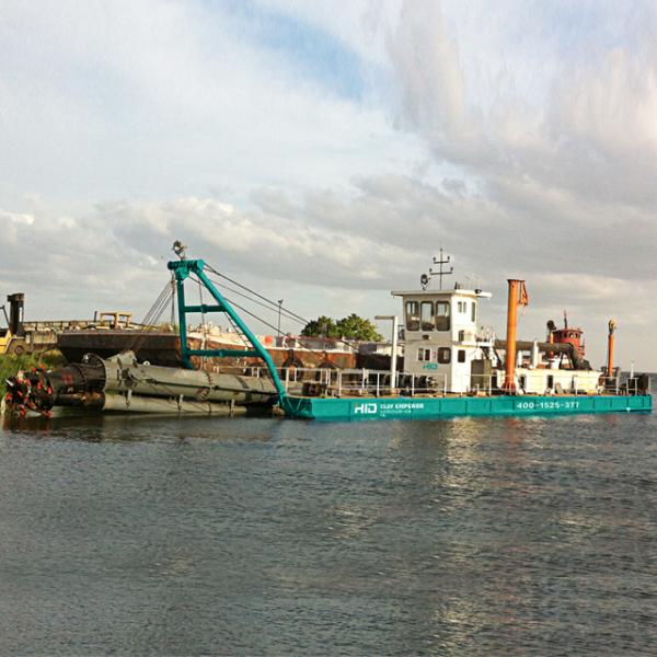 HID-CSD4518P绞吸式挖泥船