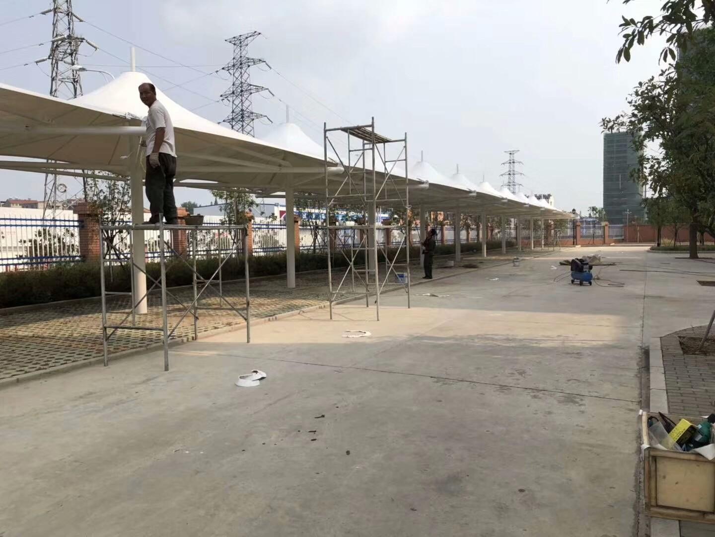 南漳徐庶学校13连体帽顶膜结构车棚整体完工