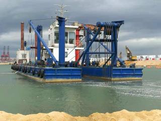 孟加拉HID6024P挖泥船现场